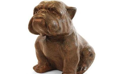 Statue de Bulldog brune pour le jardin